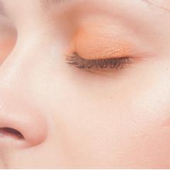 加齢による瞼のたるみ|東郷美容形成外科